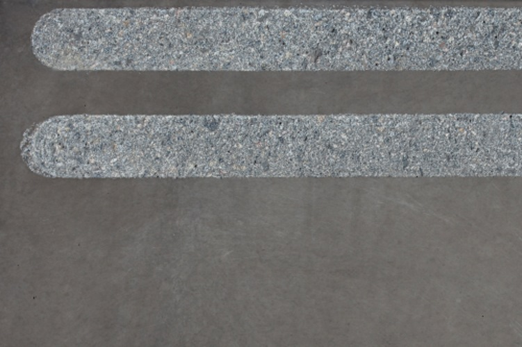 Grip strip Paver