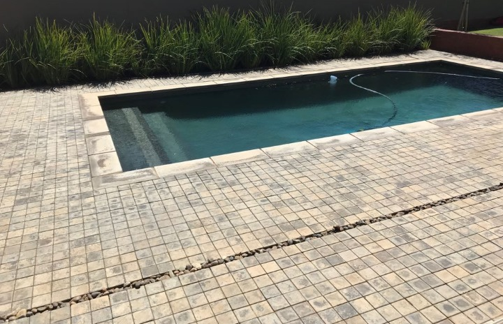 Pool surround paving