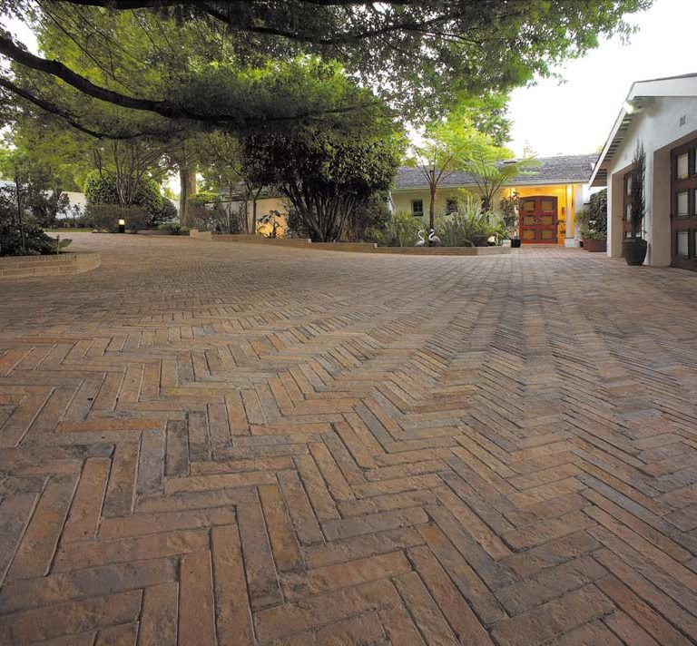 residential driveway paving installation