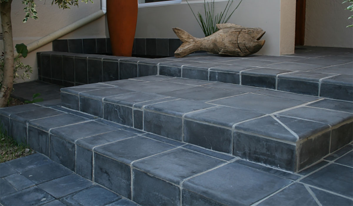 SmartPaver Coping installed on the edging of stairs